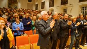 Auch Erzbischof Franz Lackner ist begeistert