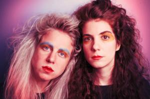 Fijuka experimentieren nicht nur gern mit Sounds der 80er Jahre, sondern auch mit dem passenden New Romantics-Makeup