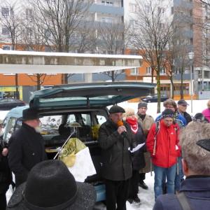 Historiker Gert Kerschbaumer beim Auschwitz-Gedenktag in Salzburg vor dem Antifaschismus-Mahnmal; Alle Bilder: Andreas Praher