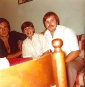 Mein serbisch-orthodoxer Onkel mit meiner Mutter und meinem katholischen Onkel[1]