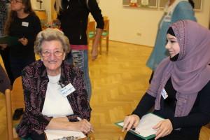 Maria Weyringer in bester Laune im Gespräch