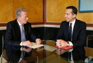 Am 17. Mai 2016 trafen Vizekanzler und Bundesminister Reinhold Mitterlehner (l.) und Christian Kern (r.) zu einem Arbeitsgespräch zusammen.
