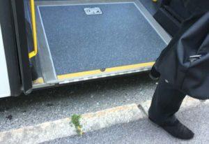 Rollstuhlklappe Bus