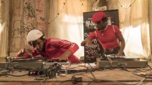 Grandmaster Flash und Shaolin Fantastic am Beginn der DJ- und Hiphop-Kultur – hier treffen fiktive und reale Personen aufeinander